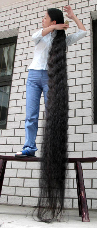 China Womans Super Long Hair picture