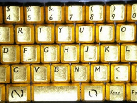 Kirameki Pure Gold Keyboard: Luxury or Decadence?