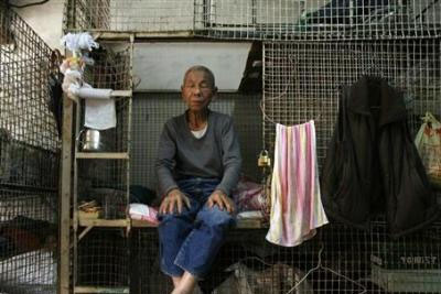 Hong Kong Citizens Are Living in Cages... Literally picture