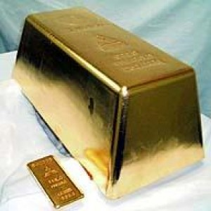 Japan Pours Worlds Largest Gold Bar picture