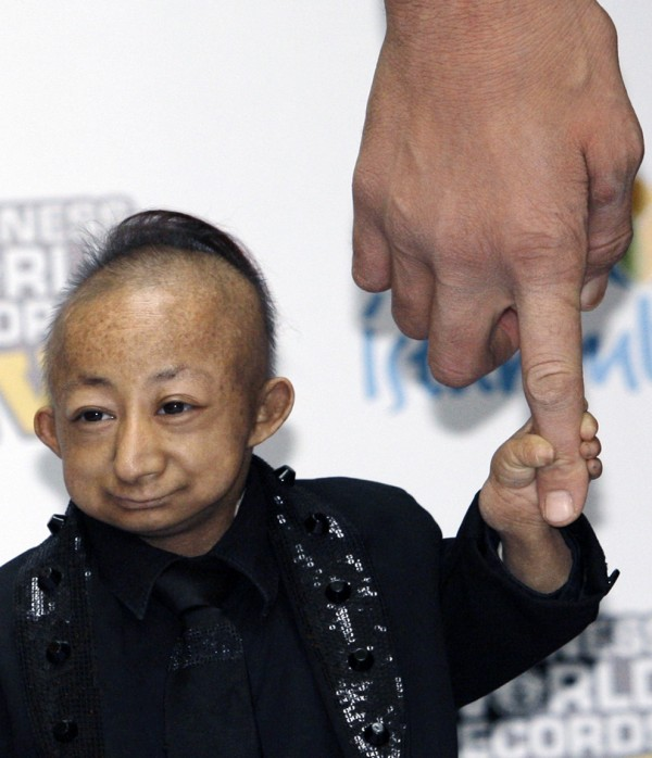 Worlds Shortest Man Dies Aged 21 picture