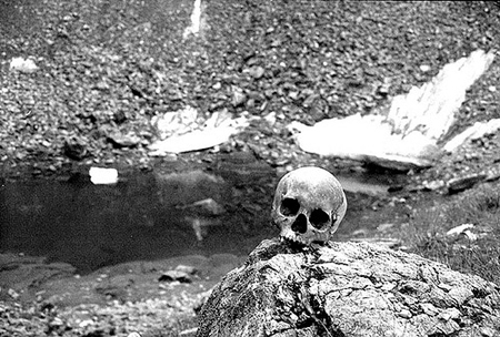 skeleton1 Roopkund Skeleton Lake: A Himalayan Mystery picture