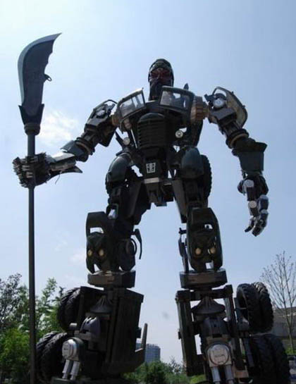 Guan Yu Transformer Chinese Student Creates Life Sized Kwansformer