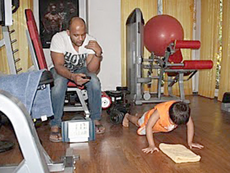 Four Year Old Sets Indian National Record For Push Ups picture