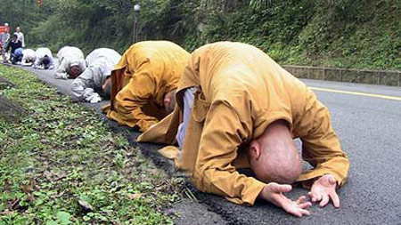 monks Buddhist Monks Make 500 Mile Journey on Their Knees picture