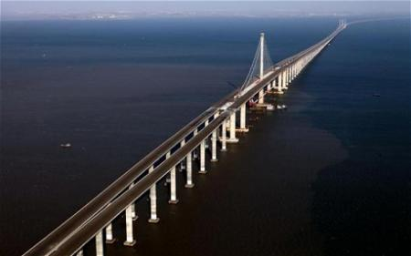 China Sets Record For World's Longest Sea Bridge picture