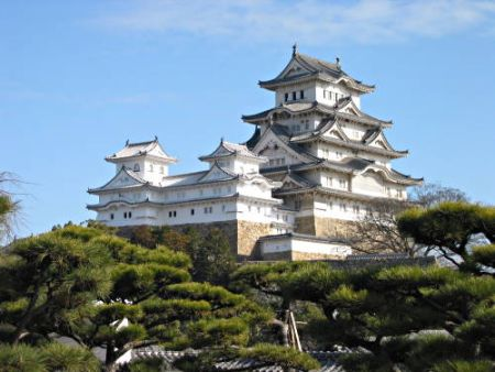 Castle3 Five Amazing Asian Castles in the Air and Other Places picture