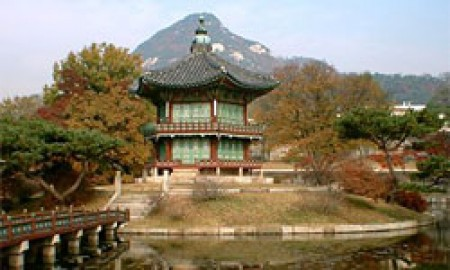 casstlesKorea e1322734238390 Five Amazing Asian Castles in the Air and Other Places picture