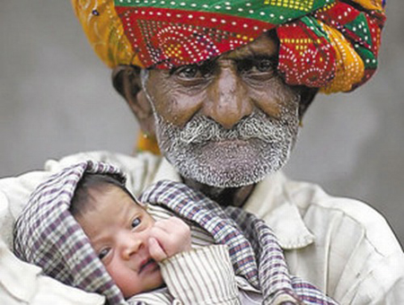 Indian Man Becomes Dad For First Time at 94 picture