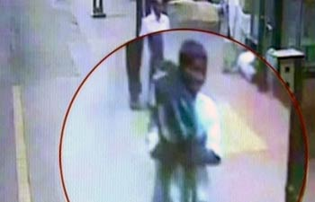 Man Kidnaps Toddler in 40 Seconds in Mumbai Station picture