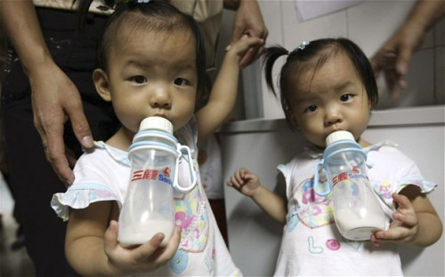 Baby Formula Smugglers Outnumber Drug Traffickers in China picture