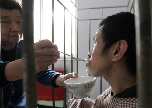 Chinese Mom Cages Son for 40 Years picture