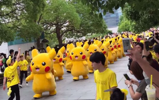 Pikachu Parade Takes over Yokohama (Again)