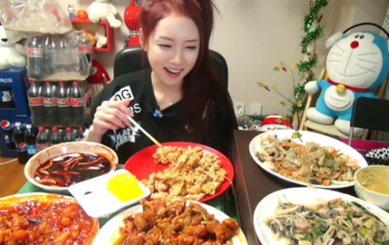 South Koreans Gobble Up Videos of People Eating