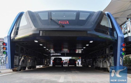 Straddling Bus Makes First Appearance On China's Roads